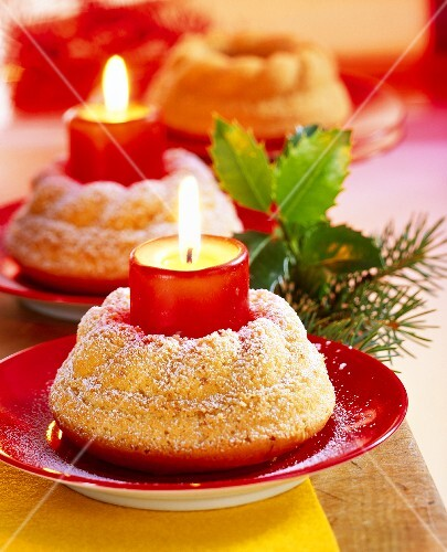 Mini Christmas Bundt Cakes With Candles