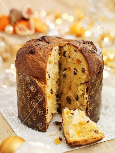 Panettone, sliced