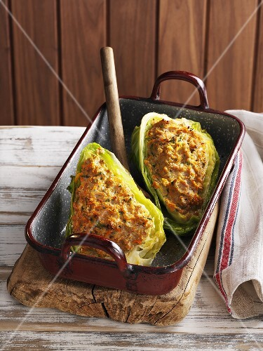 Stuffed pointed cabbage