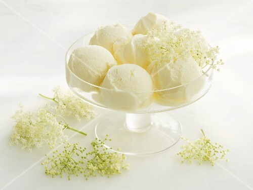 Elderflower ice cream in a glass