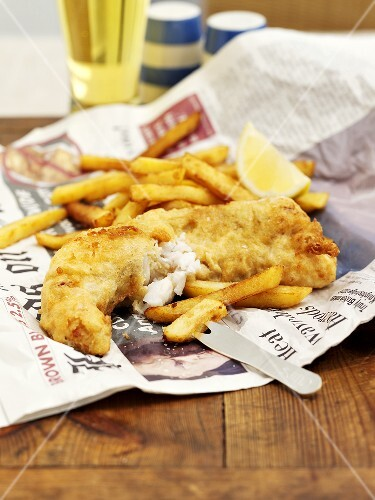 Fish and chips on newspaper england buy images stockfood for Fish and chips newspaper