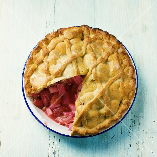 Rhubarb and strawberry pie, a piece removed, from above