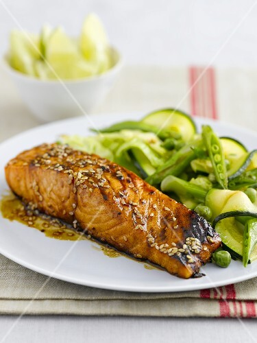 Teriyaki salmon with peas and courgette