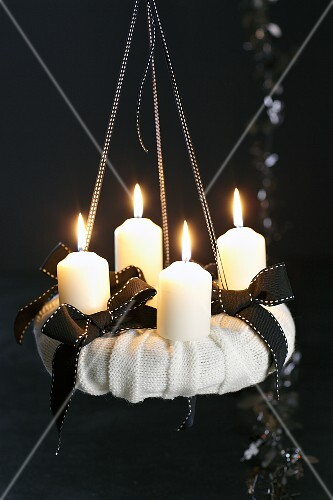 A black and white advent wreath