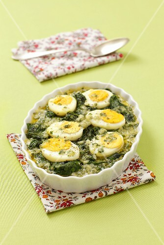 Spinach bake with egg and parmesan