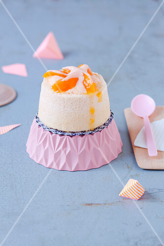 Mini Angel Cake with apricot