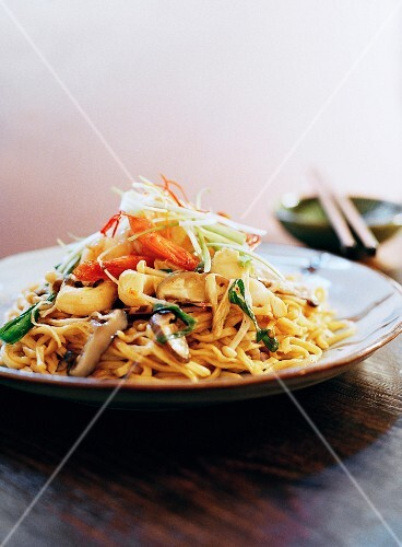Prawn and vegetable noodle stir-fry