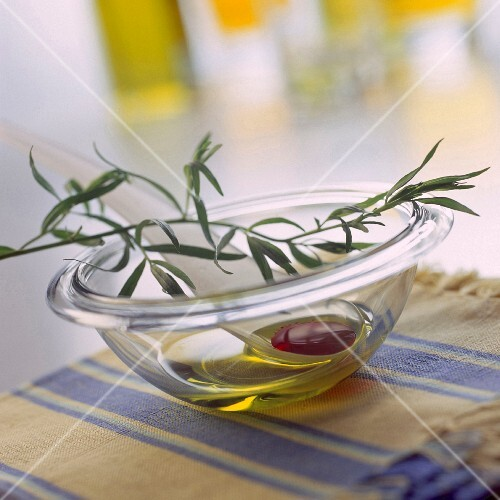 French dressing with olive oil and tarragon