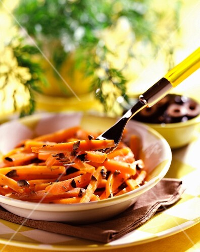 Carrots with honey and olives
