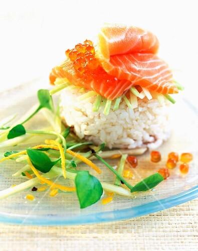 lachs sushi bild kaufen 60050793 stockfood. Black Bedroom Furniture Sets. Home Design Ideas