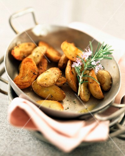 Grenaille potatoes with sea salt and Provençal herbs