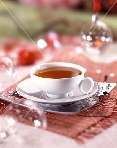 eine tasse tee mit weihnachtsdeko bild kaufen 60069725 stockfood. Black Bedroom Furniture Sets. Home Design Ideas