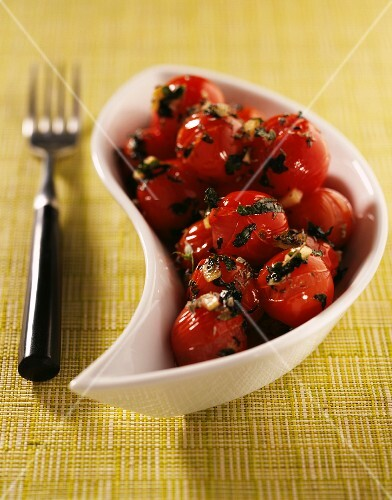 sauteed cherry tomatoes with basil