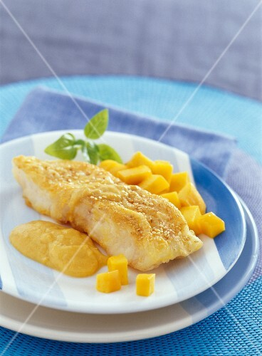 Breaded cod with mango