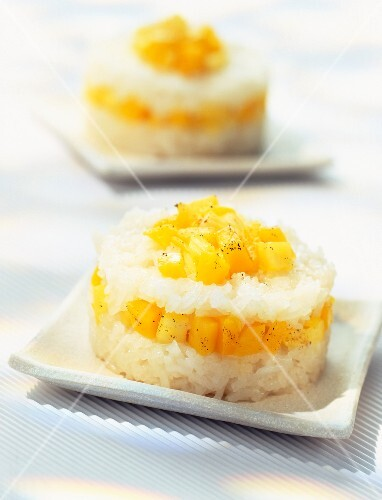 sticky coconut milk rice with pineapple and mango (topic: menus by Aurélie)