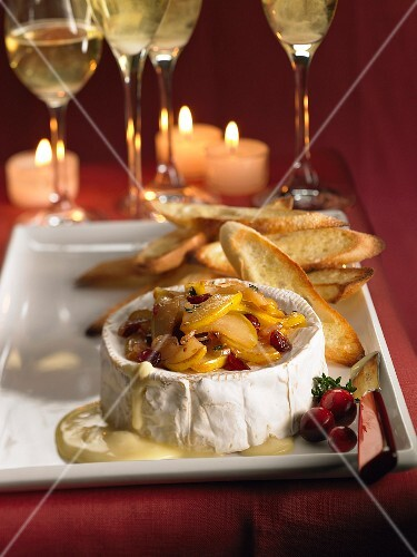 Warm Camembert with pears