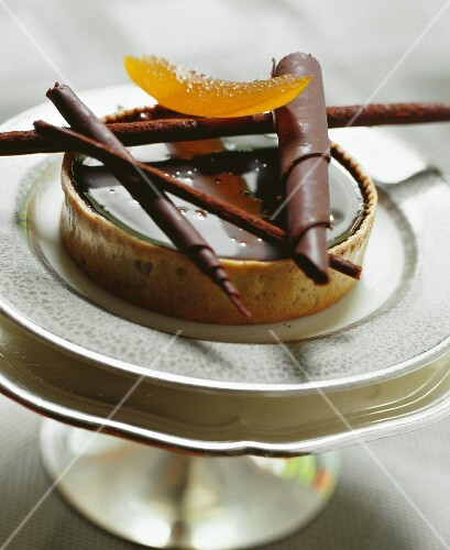 Chocolate tart with candied orange