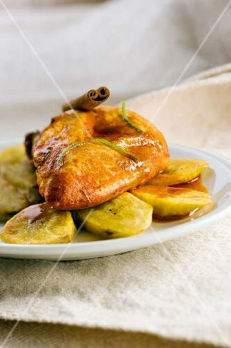 Chicken and plantain bananas with cinnamon