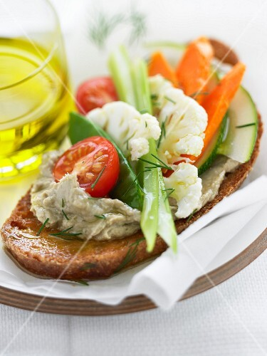 Anchoyade and vegetables on toast