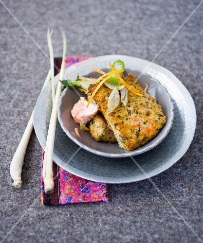 Salmon coated with breadcrumbs, herbs and orange zests