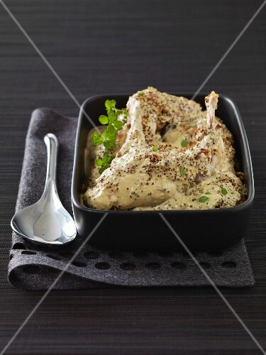 Rabbit with cream and mustard sauce