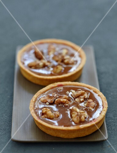 Toffee and walnut tartlet