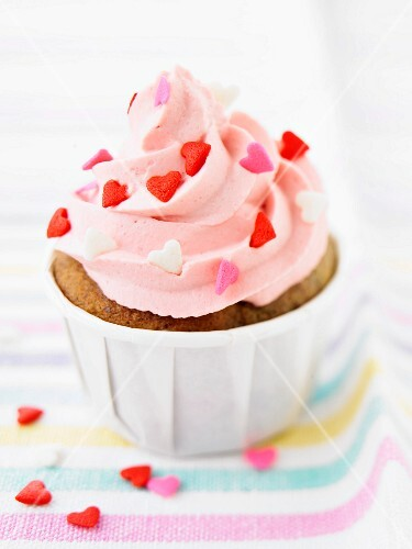 Cupcake with strawberry topping