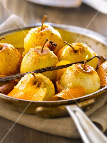 Stewed apples with orange rinds