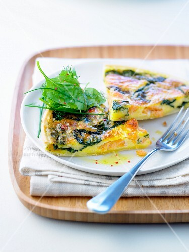 Salmon-spinach thin pastry tart