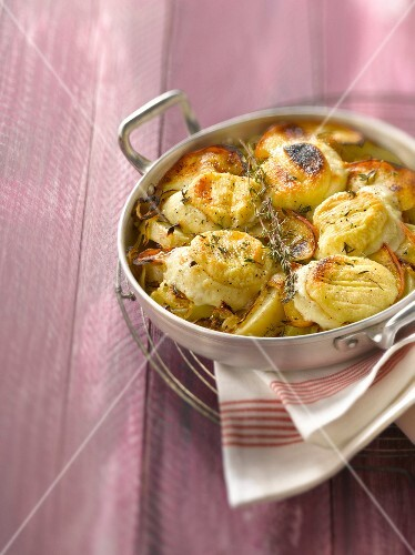 Apple,potato and goat's cheese gratin