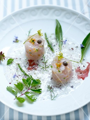 Sea bream tartare with herbs and seaweed