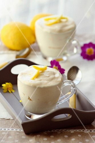 Iced lemon mousse