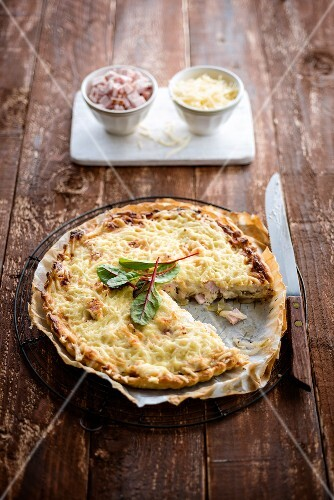 Turkey,chicory and cheese tart