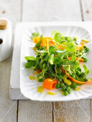Pea,watercress and carrot lettuce with mango vinaigrette