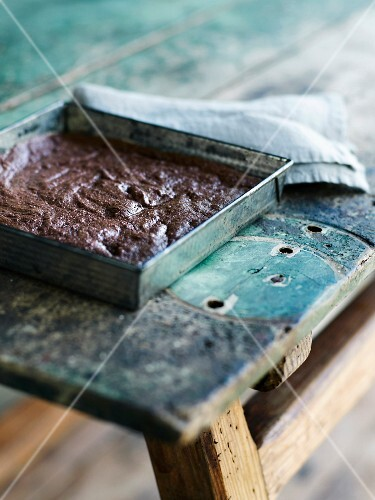 Flour-free dark chocolate,hazelnut and half-salted butter brownie