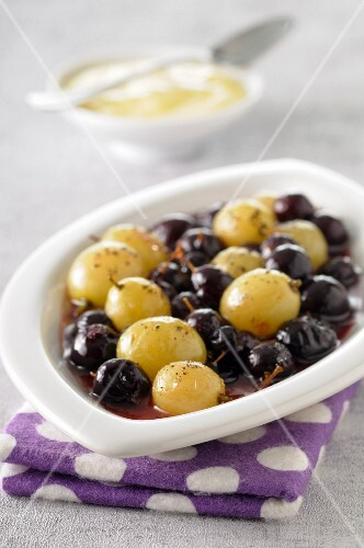 Black and white grape fruit salad with zabaglione