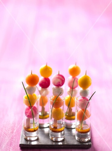 Melon ball,mozzarella,beetroot and mango brochettes with balsamic vinaigrette