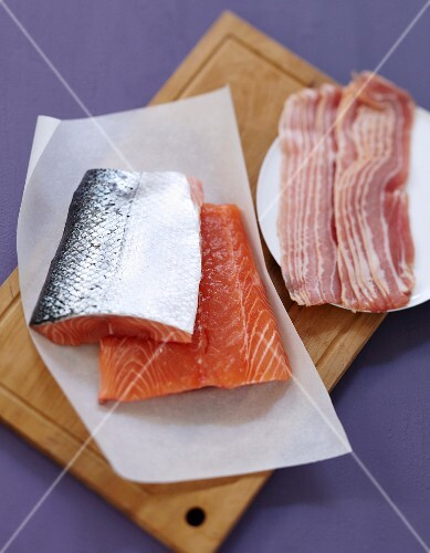Ingredients for homemade smoked salmon