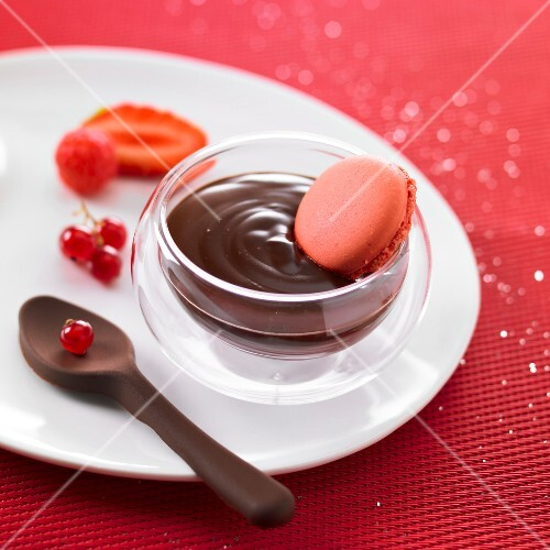 Chocolate cream dessert with raspberry macaroons