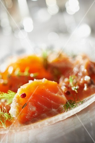 Fresh salmon marinated with pink peppercorns and Guérande salt