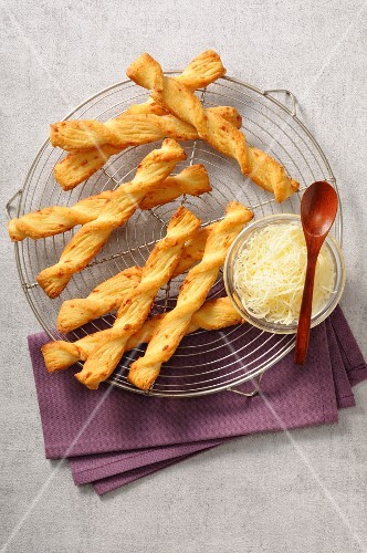 Cheese flaky pastry twists