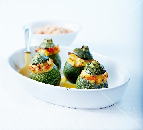 Round zucchinis stuffed with feta