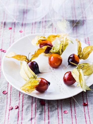 Physalis coated in caramel