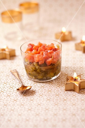 Orange and salmon tartare with simmered leeks with ginger