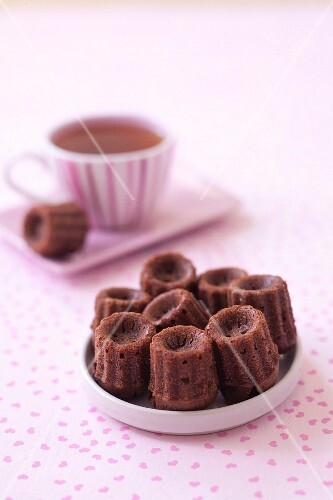 Cannelés (traditional mini cakes from Bordeaux) with chestnut cream and dark chocolate