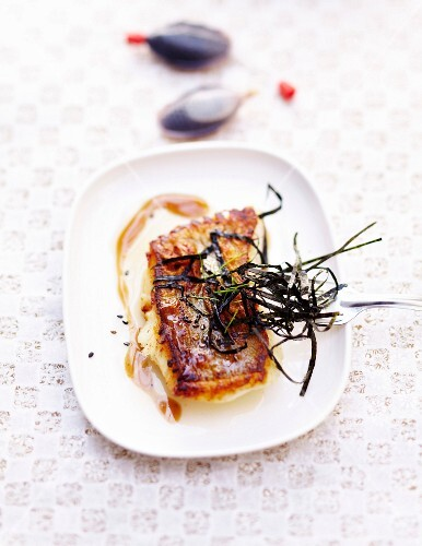Pollock steak with seaweed and soya sauce
