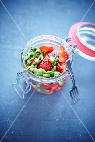 Green asparagus salad with strawberries