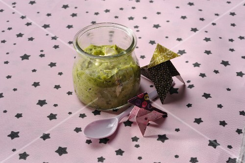 Mushy peas in glass
