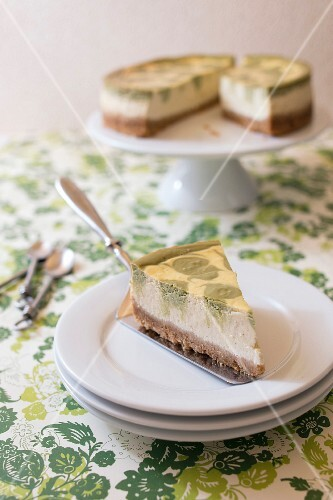 Matcha green tea marble cheesecake