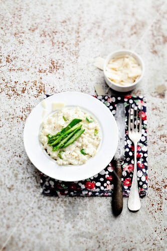Risotto with parmesan and green asparagus